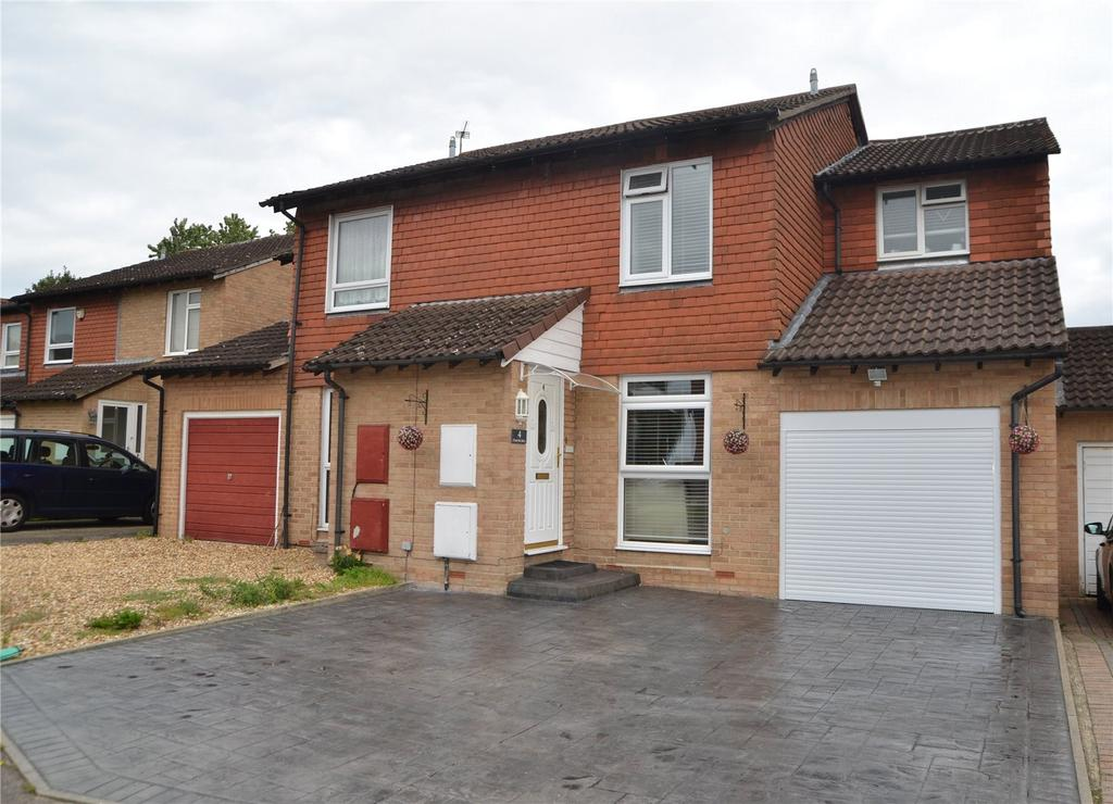 3 Bedrooms Semi Detached House for sale in Charlville Drive, Calcot, Reading, Berkshire, RG31