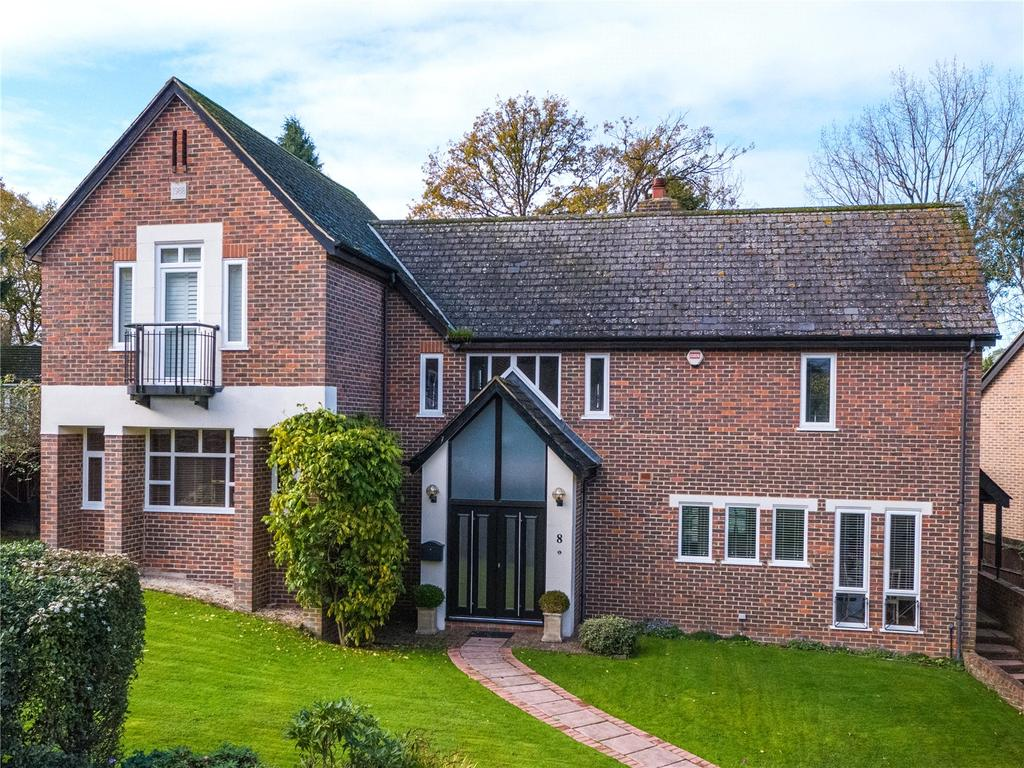 5 Bedrooms Detached House for sale in Chervil Way, Burghfield Common, Reading, Berkshire, RG7