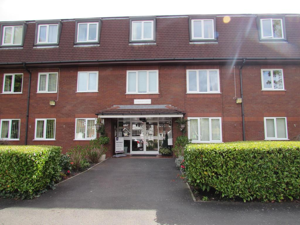 1 Bedroom Flat for sale in Guardian Lodge, Peckforton Close, Cheadle, SK8