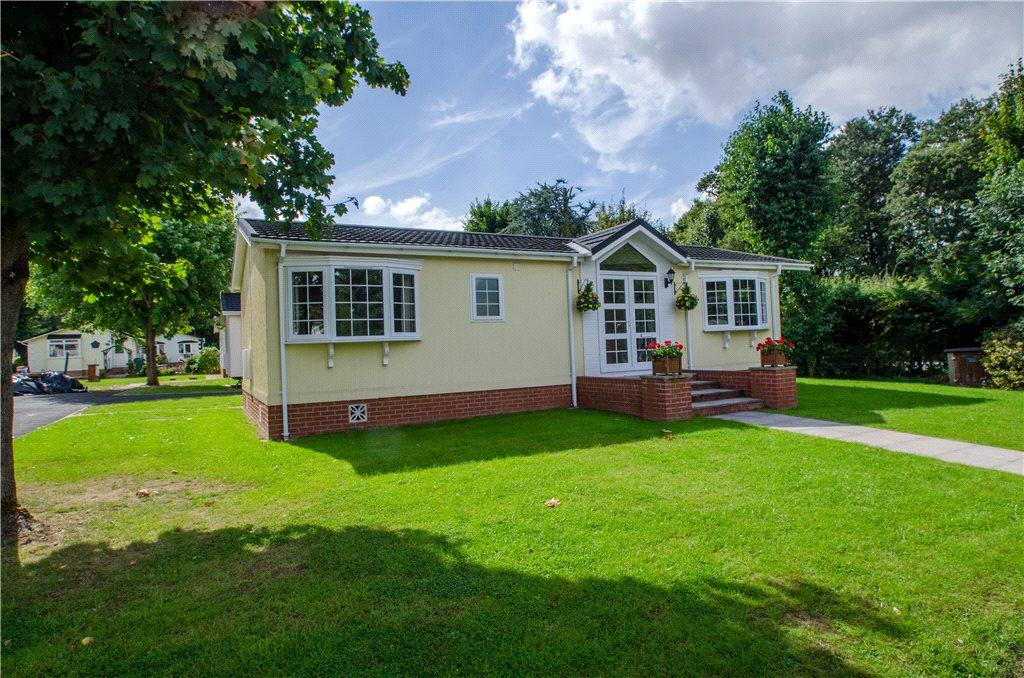 2 Bedrooms Detached House for sale in Doverdale Park Homes, Hampton Lovett, Droitwich, Worcestershire, WR9