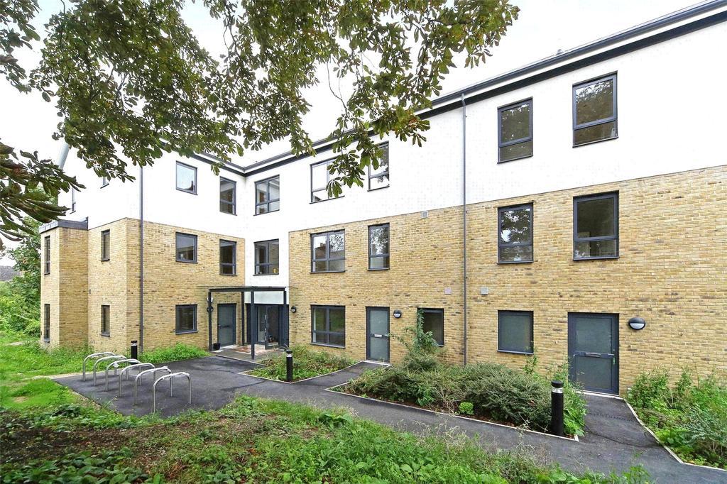 2 Bedrooms Flat for sale in Robert Square, Bonfield Road, London, SE13