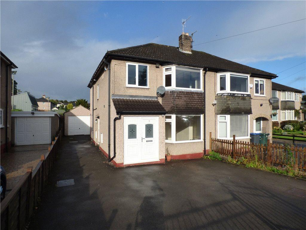 3 Bedrooms Semi Detached House for sale in Clough Avenue, Steeton, Keighley, West Yorkshire