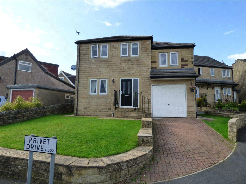 4 Bedrooms Detached House for sale in Privet Drive, Oakworth, Keighley, West Yorkshire