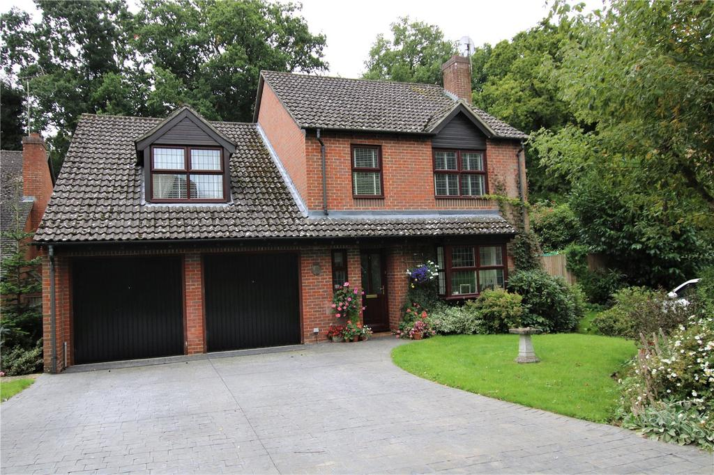 4 Bedrooms Detached House for sale in Tarragon Way, Burghfield Common, Reading, Berkshire, RG7