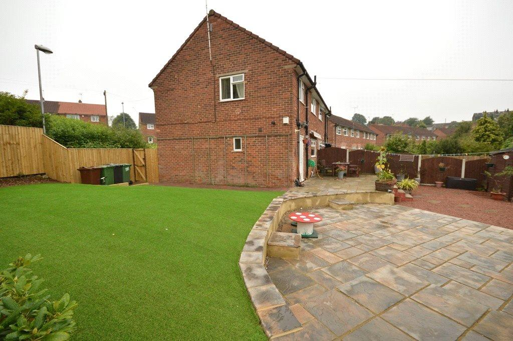 3 Bedrooms Semi Detached House for sale in King George Avenue, Horsforth, Leeds