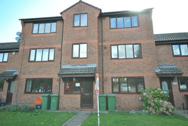 2 Bedrooms Flat for rent in Limber Court, Grimsby