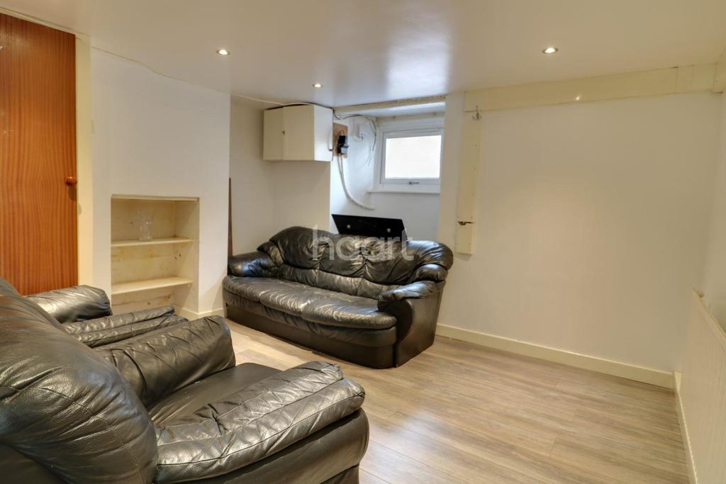 3 Bedrooms Terraced House for sale in East Street, Gillingham, ME7