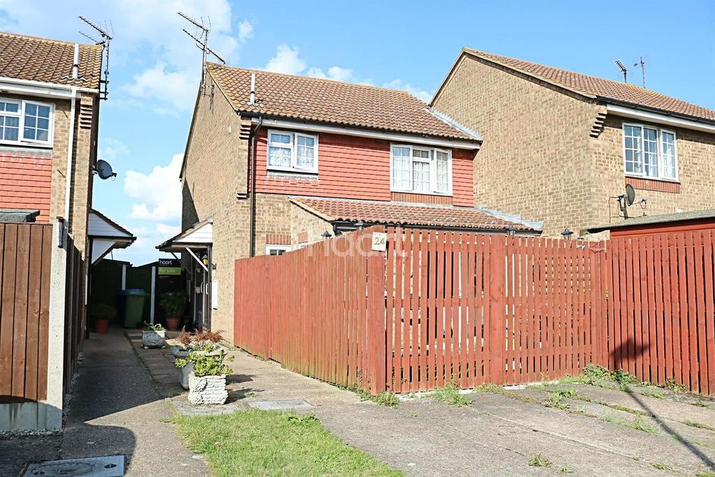 1 Bedroom Semi Detached House for sale in Moat Way, Queenborough