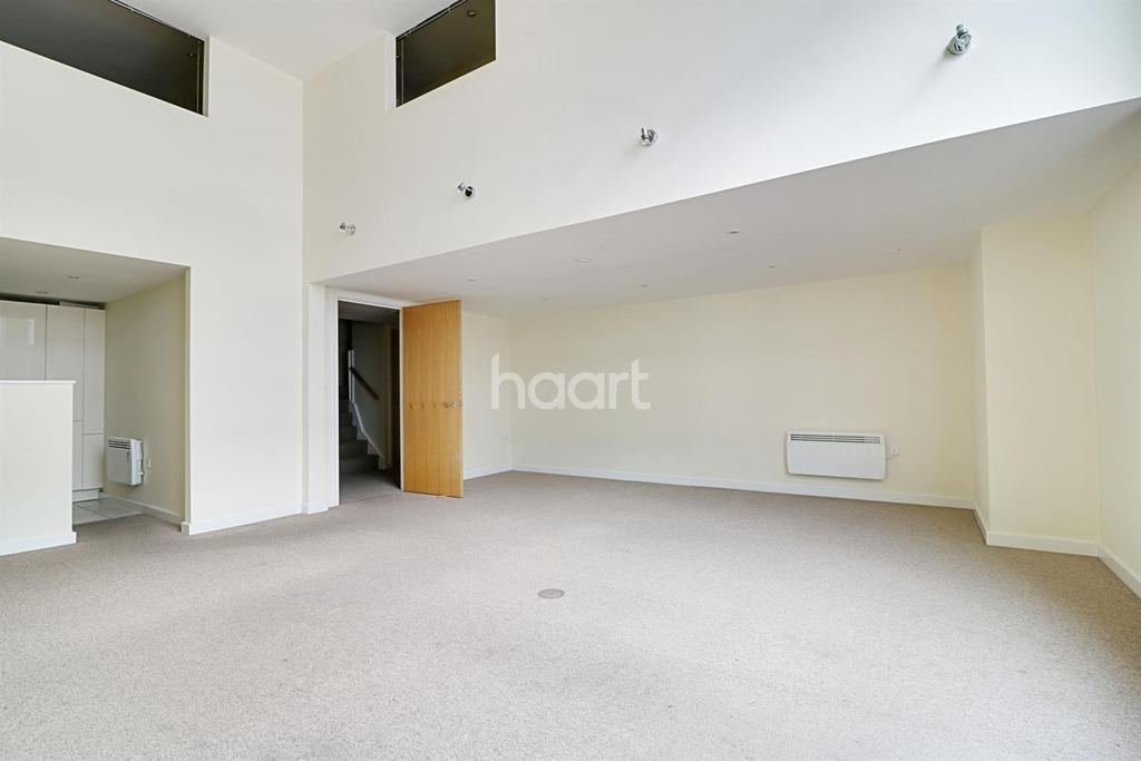 2 Bedrooms Flat for sale in The Paramount Building, Swindon, Wiltshire