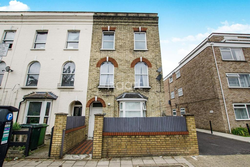 2 Bedrooms Flat for sale in Hartfield Road, Wimbledon, SW19