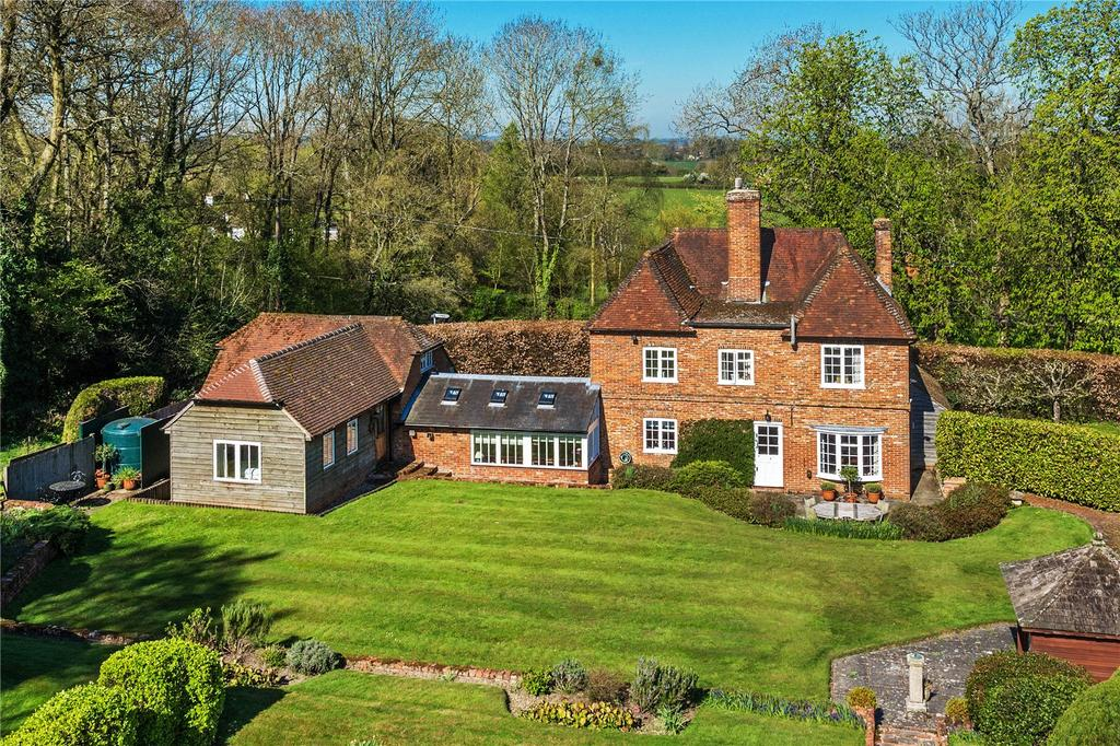 5 Bedrooms Detached House for sale in Well, Hampshire
