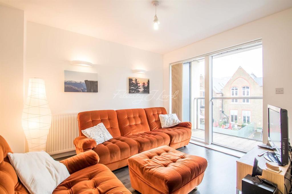 1 Bedroom Flat for sale in Dance Sq. EC1V