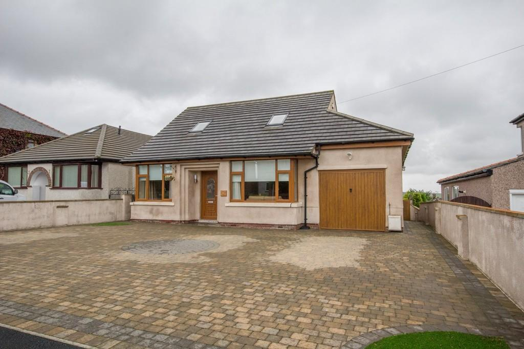 5 Bedrooms Detached House for sale in Rakesmoor Lane, Barrow-In-Furness