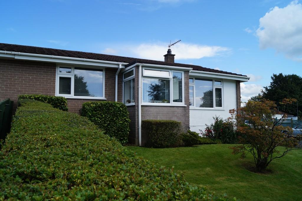 2 Bedrooms Semi Detached Bungalow for sale in Tavistock