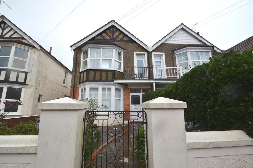 1 Bedroom Flat for sale in Navarino Road, Worthing, West Sussex, BN11 2NF