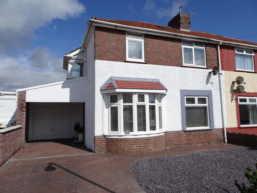 4 Bedrooms Semi Detached House for sale in KINGS HILL, PORTHCAWL, CF36 5LD