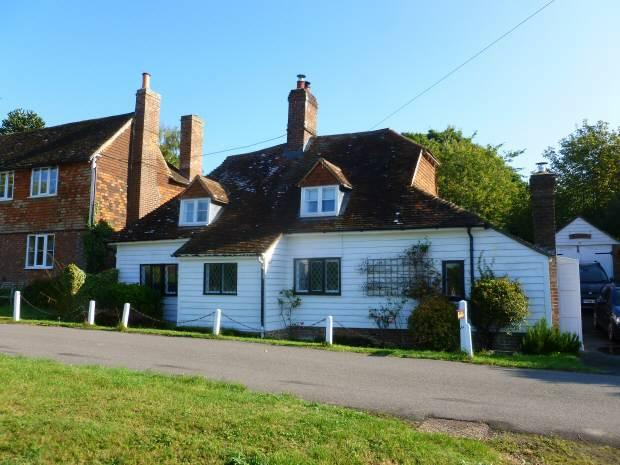 2 Bedrooms Detached House for sale in Mill Street, Iden Green, Benenden TN17 4HH