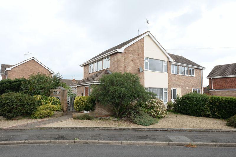3 Bedrooms Semi Detached House for sale in Birmingham Road, Kidderminster DY10 2SR