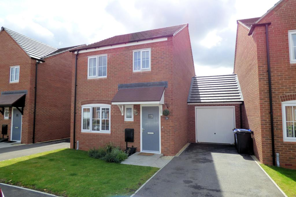 3 Bedrooms Link Detached House for sale in Sutton Crescent, Barton Under Needwood
