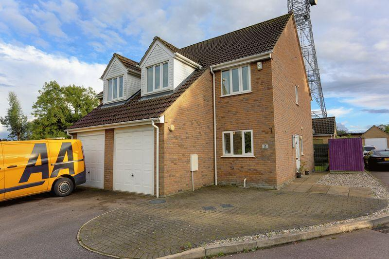 3 Bedrooms Semi Detached House for sale in Elizabeth Way, Haddenham