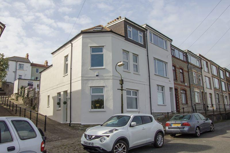 3 Bedrooms Terraced House for sale in Ferry Lane, Penarth