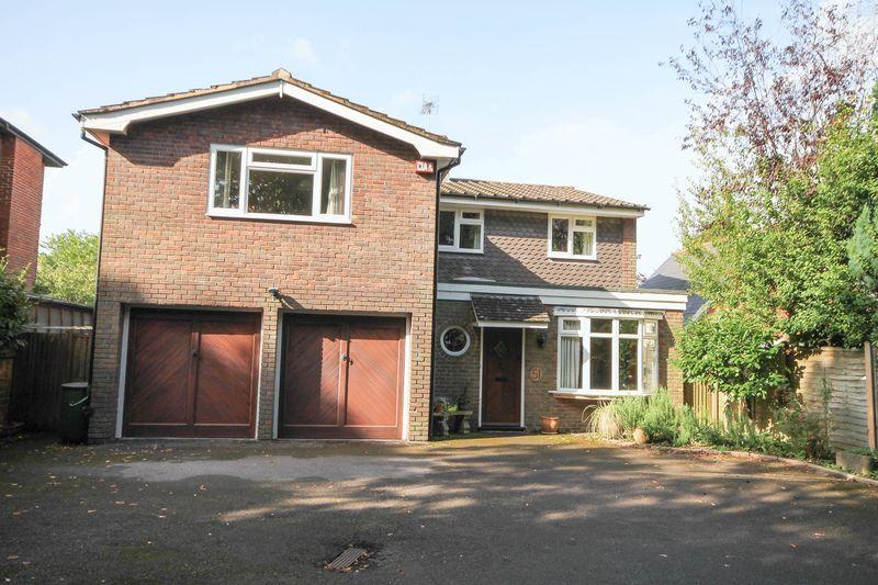5 Bedrooms Detached House for sale in Horndean Road, Emsworth