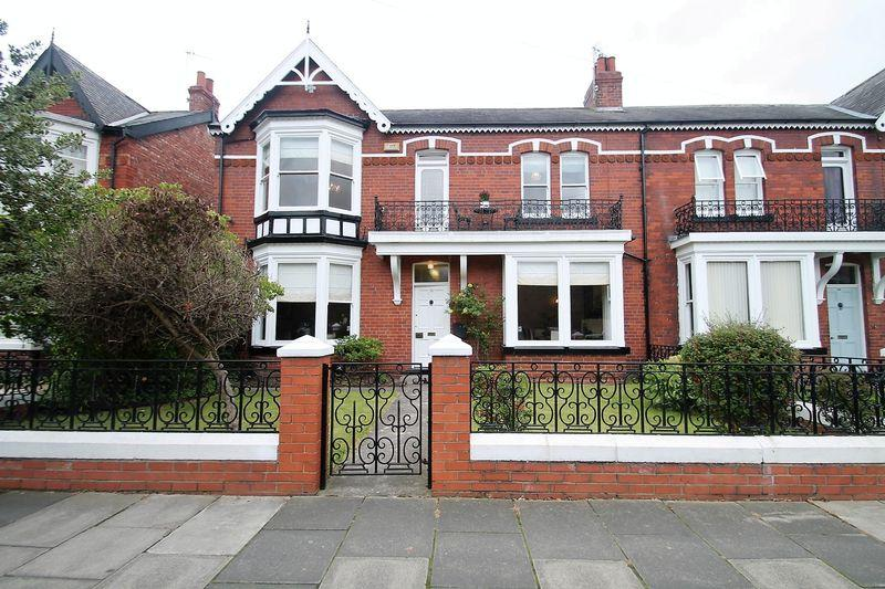 4 Bedrooms Semi Detached House for sale in The Avenue, Linthorpe