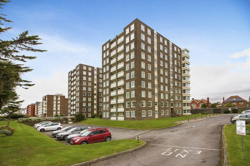 3 Bedrooms Apartment Flat for sale in West Parade, Worthing