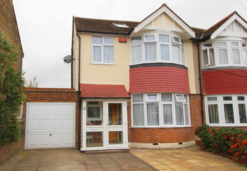4 Bedrooms Semi Detached House for sale in Craybrooke Road, Sidcup, DA14 4HJ