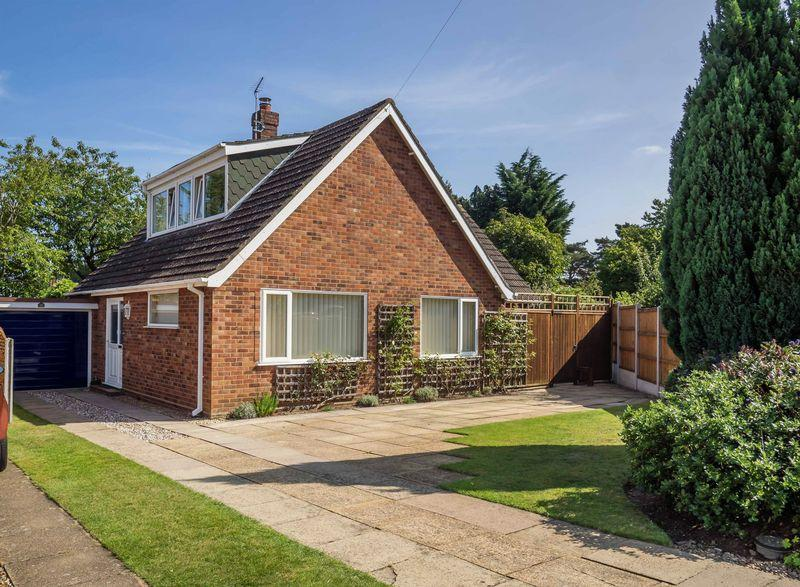 4 Bedrooms Chalet House for sale in Millers Breck, Taverham, Norwich