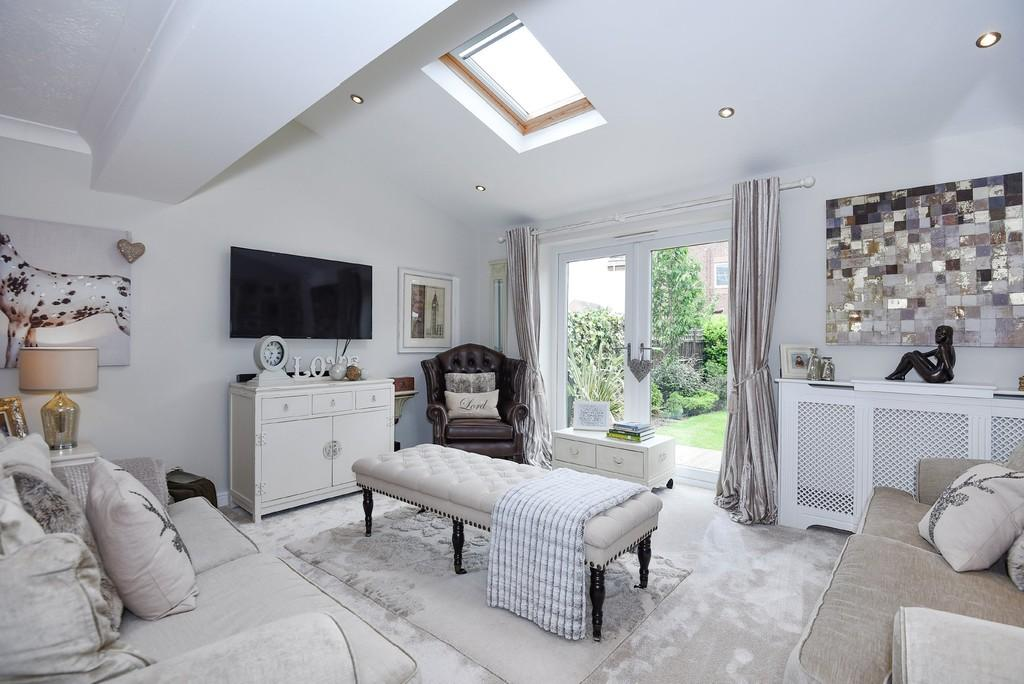 5 Bedrooms Detached House for sale in Brentnall Close, Long Eaton