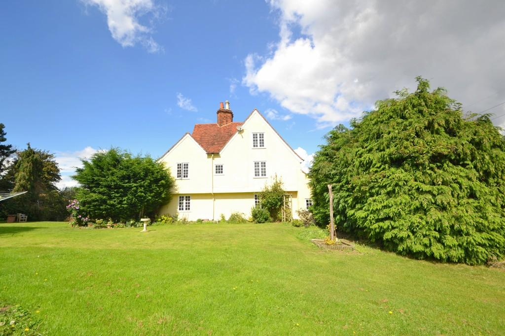 4 Bedrooms Detached House for sale in Bounce Hill, Navestock, RM4 1ET
