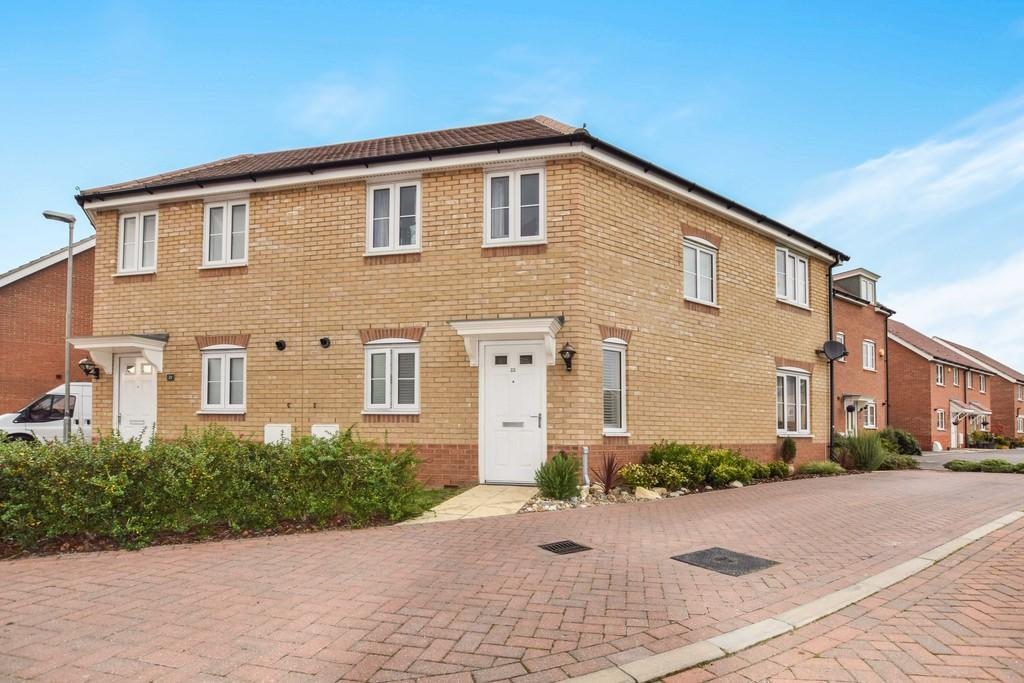 3 Bedrooms Semi Detached House for sale in Turnstile Square, Colchester, CO2 7HQ