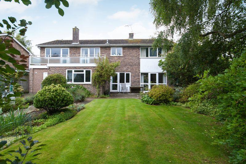 6 Bedrooms Detached House for sale in South Canterbury Road, Canterbury