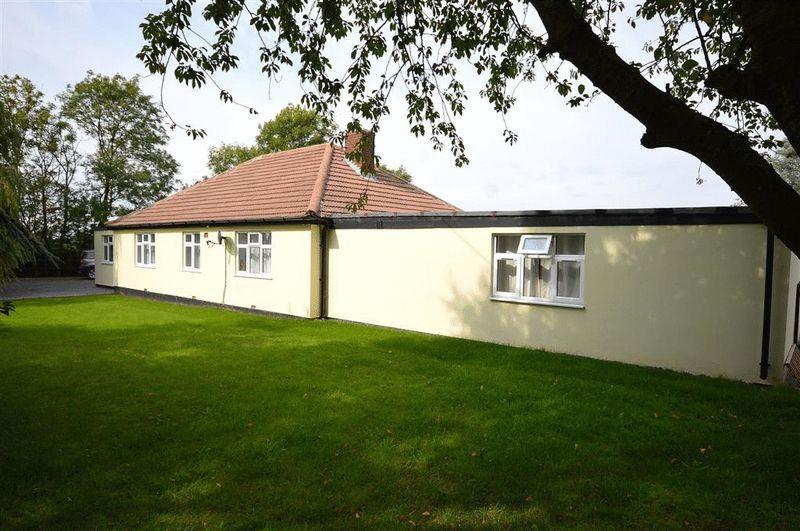 4 Bedrooms Detached Bungalow for sale in Dereham Road Ovington