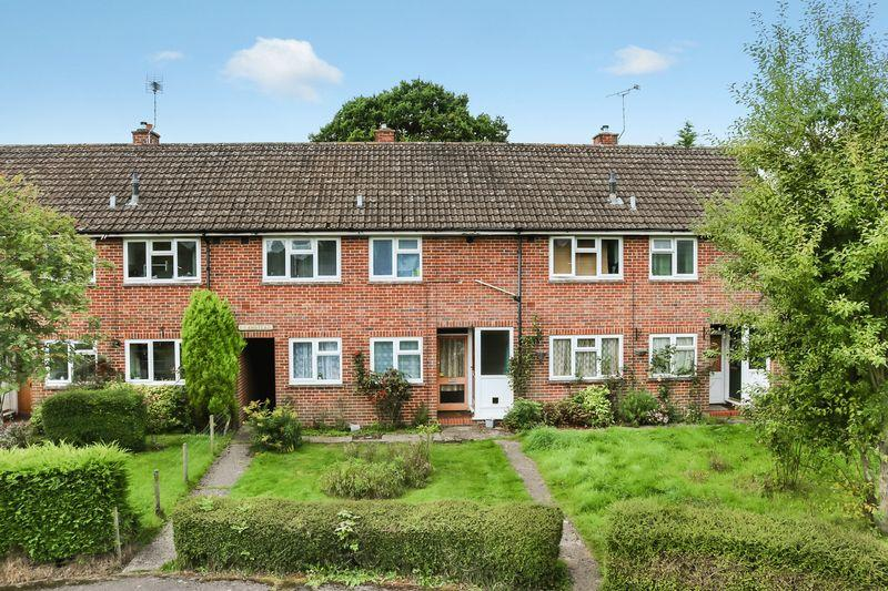 1 Bedroom Ground Flat for sale in Chiddingfold