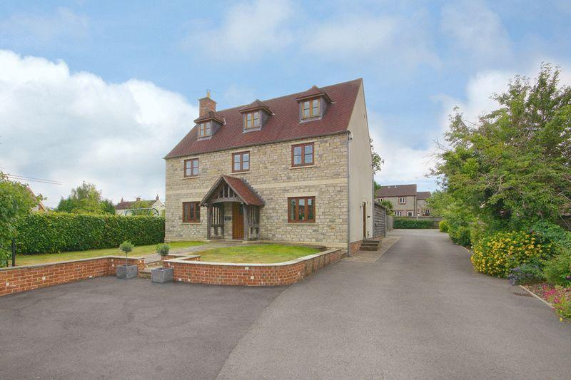 5 Bedrooms Detached House for sale in Townwell, Cromhall, Wotton-Under-Edge, GL12 8AQ