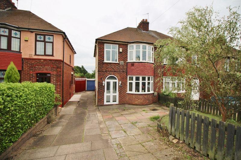 3 Bedrooms Semi Detached House for sale in Bentley Road North, Bentley, Walsall