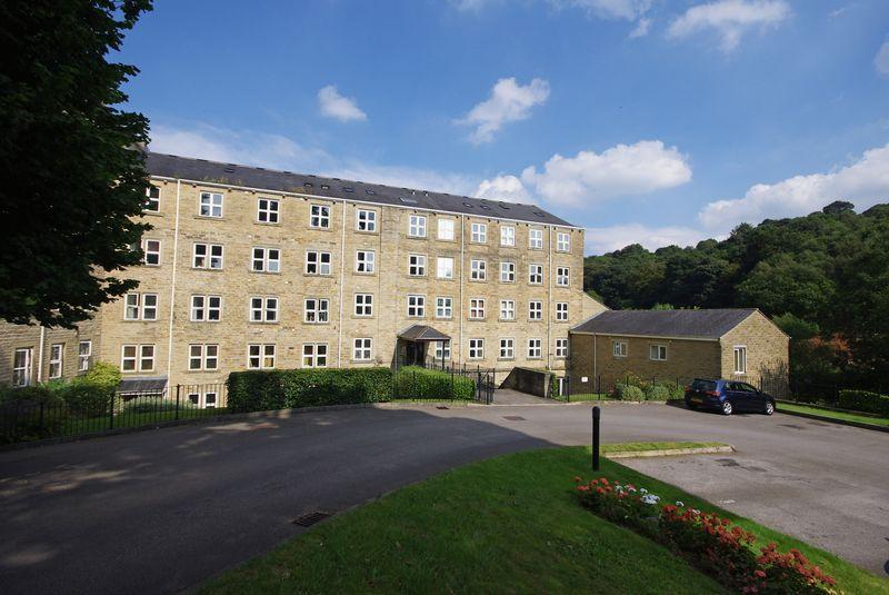 2 Bedrooms Apartment Flat for sale in 26 Spinners Hollow, Ripponden, HX6 4HY