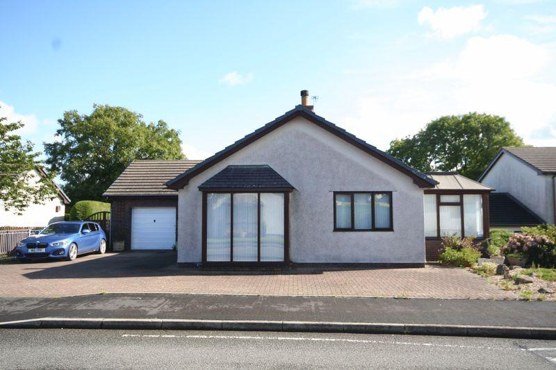 3 Bedrooms Detached Bungalow for sale in Llangefni