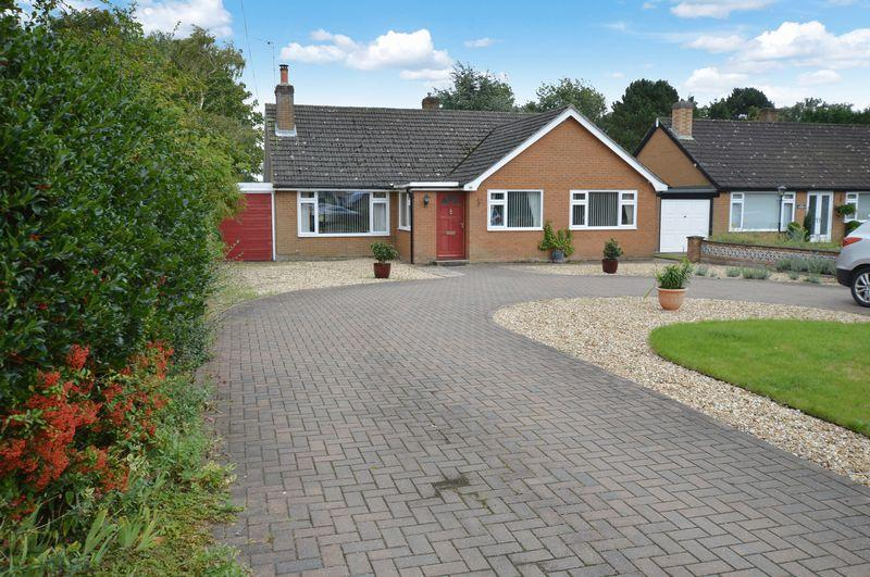 3 Bedrooms Detached Bungalow for sale in 146 Horncastle Road, Woodhall Spa