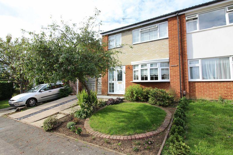 3 Bedrooms Semi Detached House for sale in Harlington