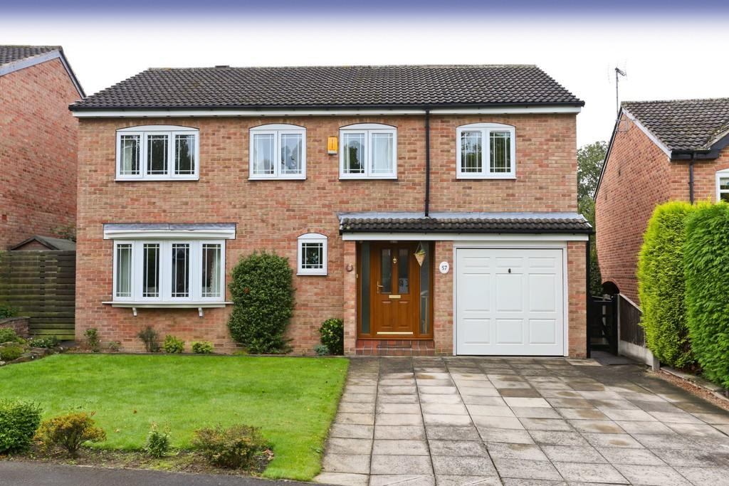 5 Bedrooms Detached House for sale in Woodthorpe Park Drive, Sandal