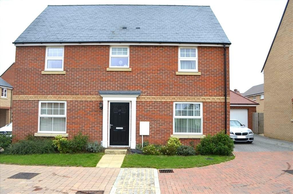 4 Bedrooms Detached House for sale in Evans Grove, Biggleswade, Bedfordshire, SG18