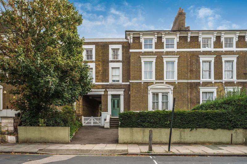 2 Bedrooms Apartment Flat for sale in Wellington Gardens, Charlton
