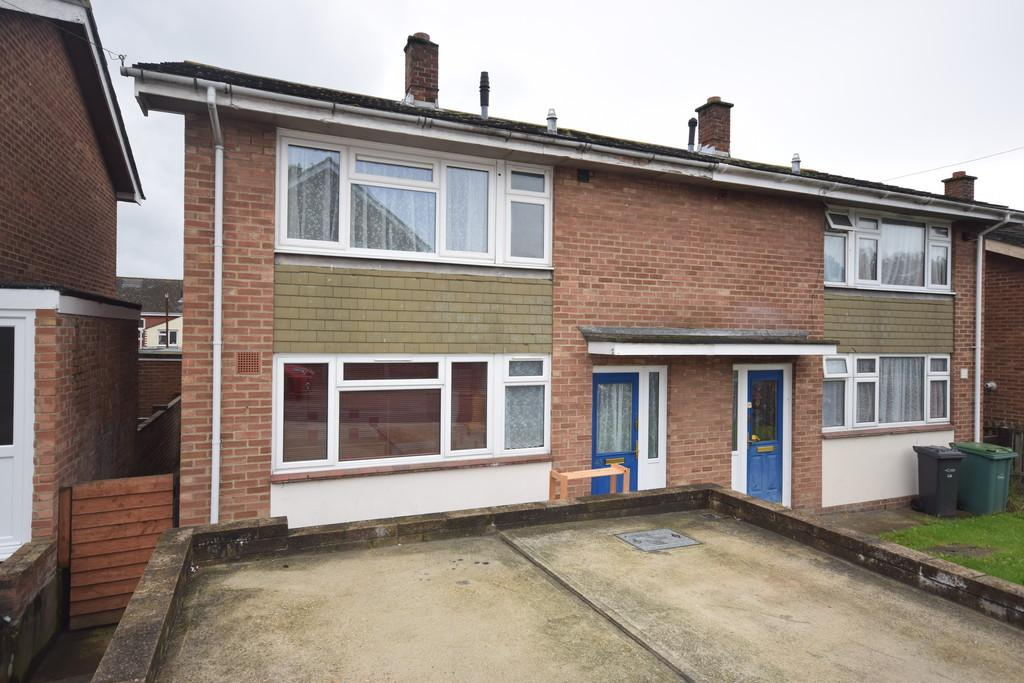3 Bedrooms Semi Detached House for sale in Manor Crescent, Newport