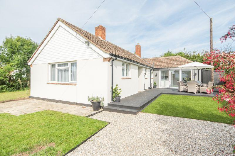 3 Bedrooms Detached Bungalow for sale in Canterbury