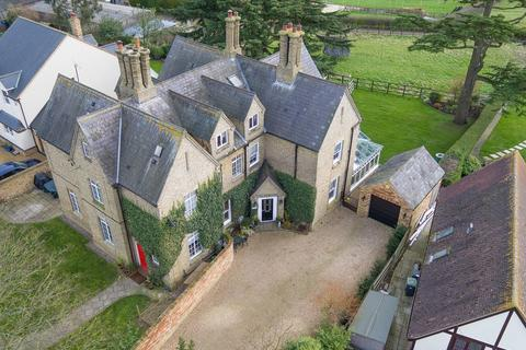 5 bedroom country house for sale - Church Road, Pulloxhill, MK45