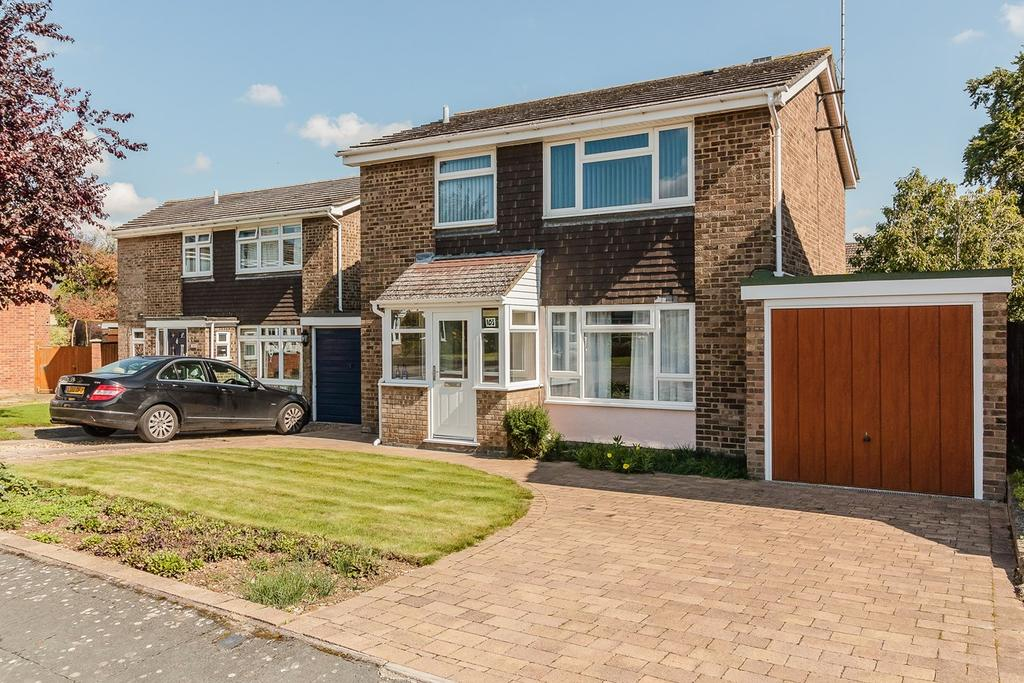3 Bedrooms Detached House for sale in Beechwood Avenue, MELBOURN, Royston, SG8