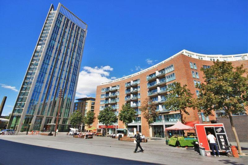 2 Bedrooms Apartment Flat for sale in Surrey Quays Road, London